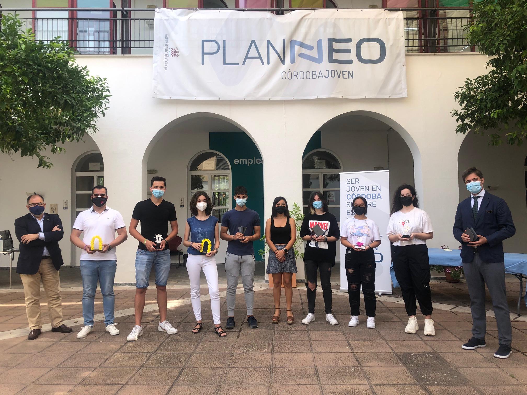 Los ganadores del reto de diseño 3D 'Conoce Córdoba a través del emprendimiento' recogen sus premios